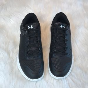UNDER ARMOR black and white shoes size 7